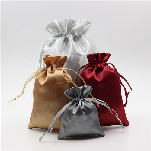 What are the types of custom gift bags
