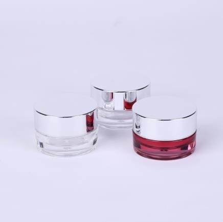 How does plastic bottle packaging show the charm of cosmetics