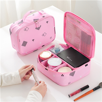 What are the details that need to be paid attention to when choosing a cosmetic bag