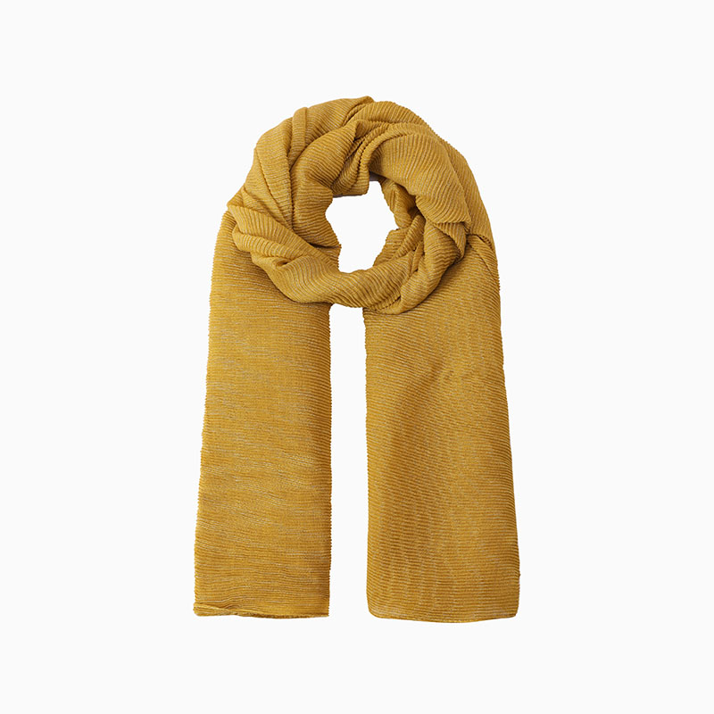 How to choose a yellow silk skinny scarf