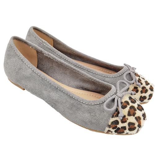 wear single shoes