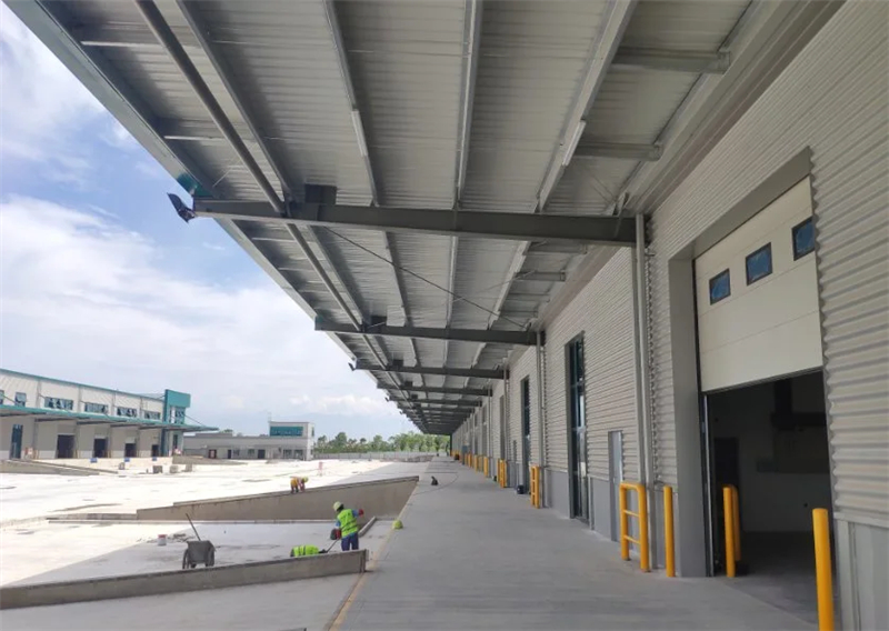 What are the advantages of using steel structure workshops