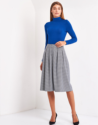 short skirt,What style is better for short skirt with top