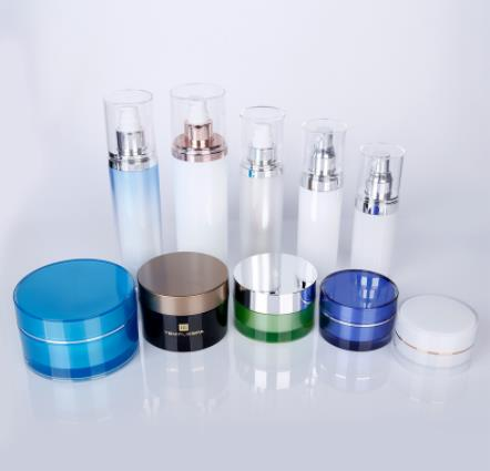 What are the market requirements for cosmetic bottles