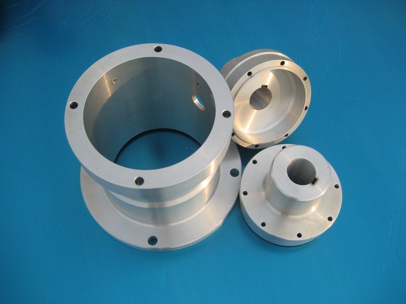 The difference between CNC aluminum parts processing and mold processing