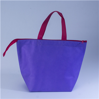 What is the correct way for cooler bags manufacturers to develop strong
