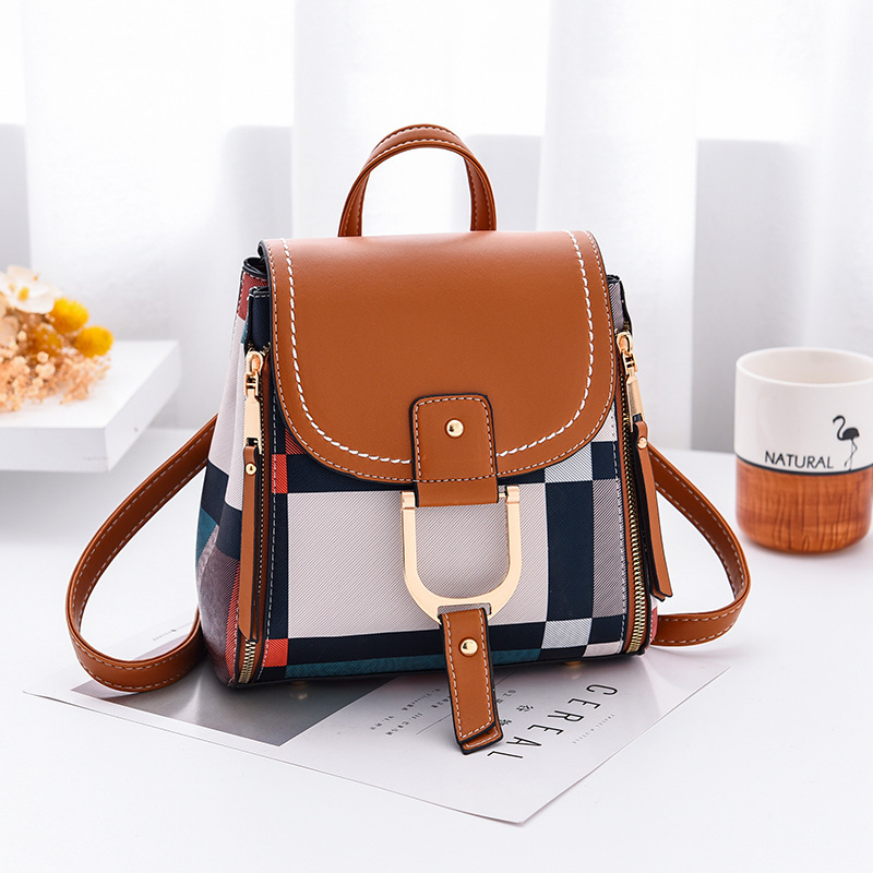Which handbags belong to newcomers in the workplace