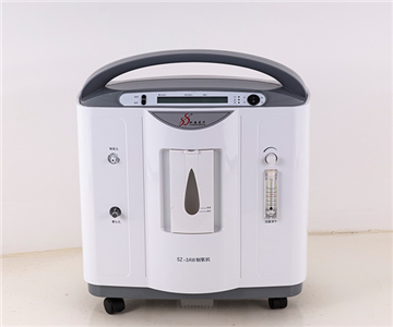 What are the user requirements for the use of oxygen concentrators