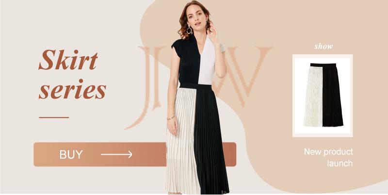 white graphic pleated skirt