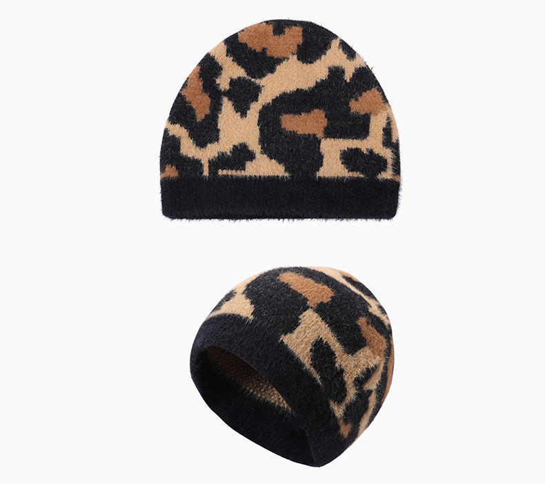 How should custom hat be matched