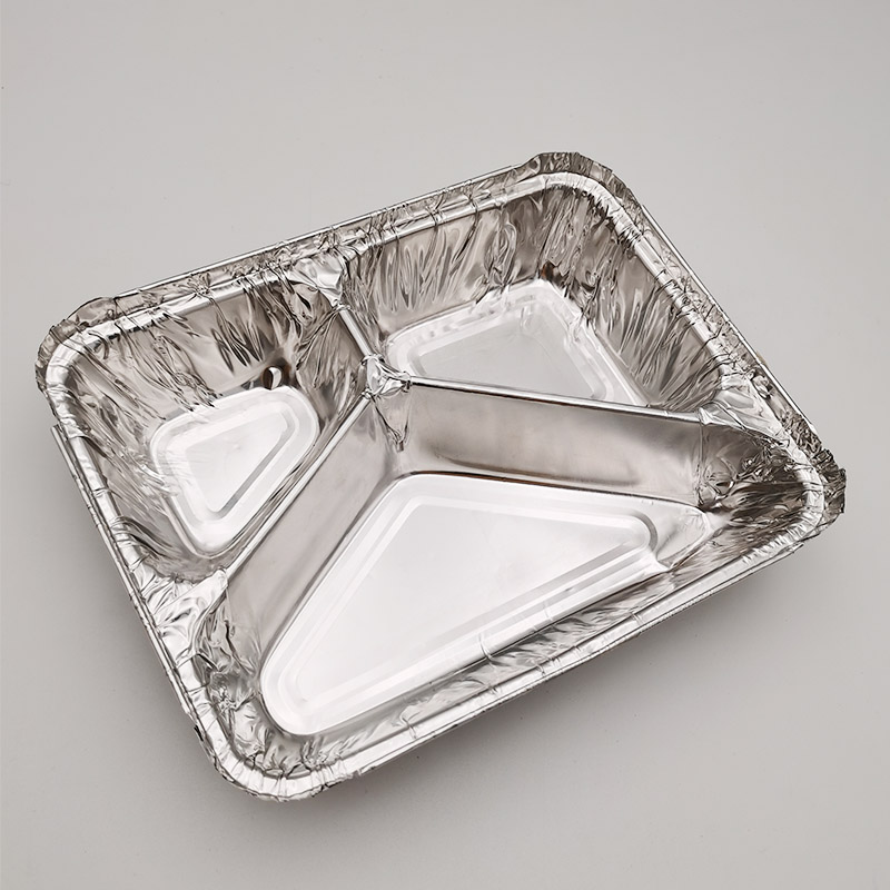 aluminium foil tray in microwave oven