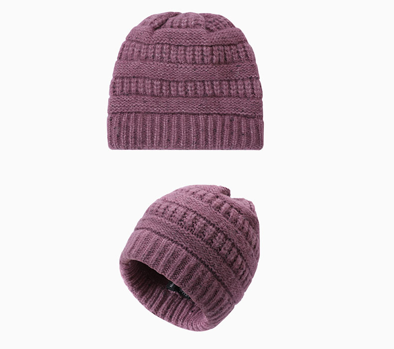 How to match twist knitted hat with clothing