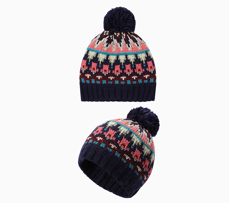 How to choose a wool knitted hat according to the clothing collocation
