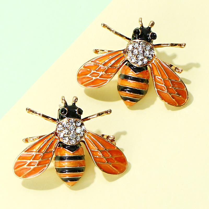 Bee Stud Earring C0118