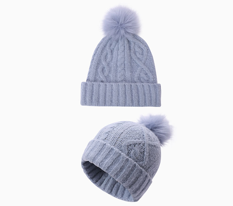 How to match solid winter hat with clothing