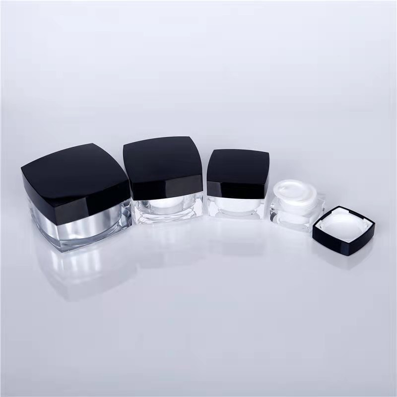 cosmetic jars with lids