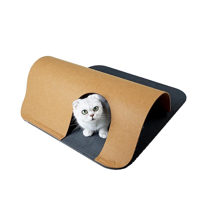 Maze pad pet product