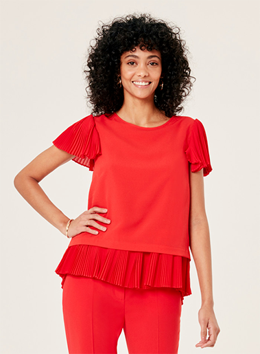 Red pleating short sleeve top