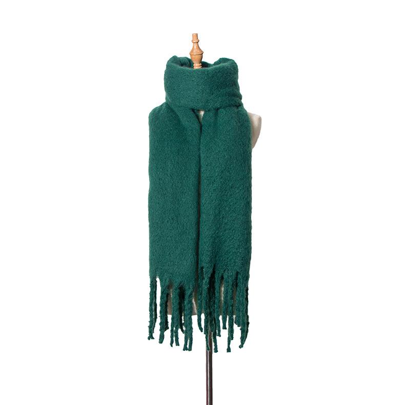 Coarse fringed shawl