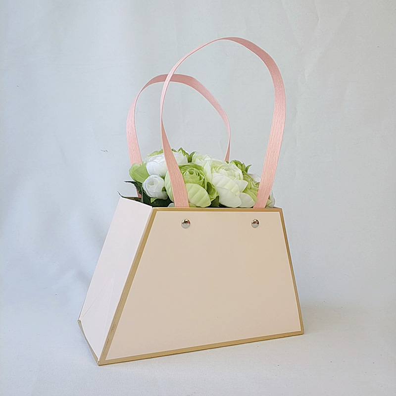 Small kraft paper bags with handles
