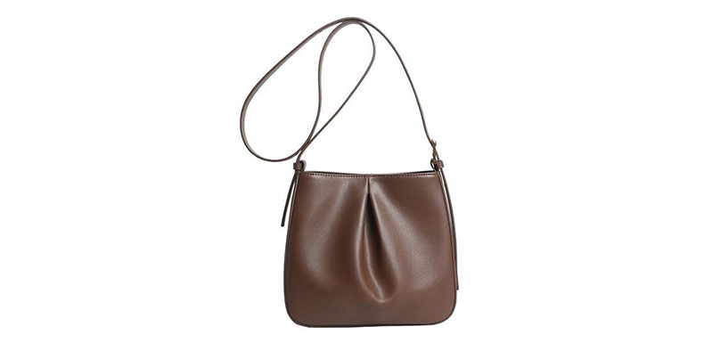 distributors of Leather cosmetic bag