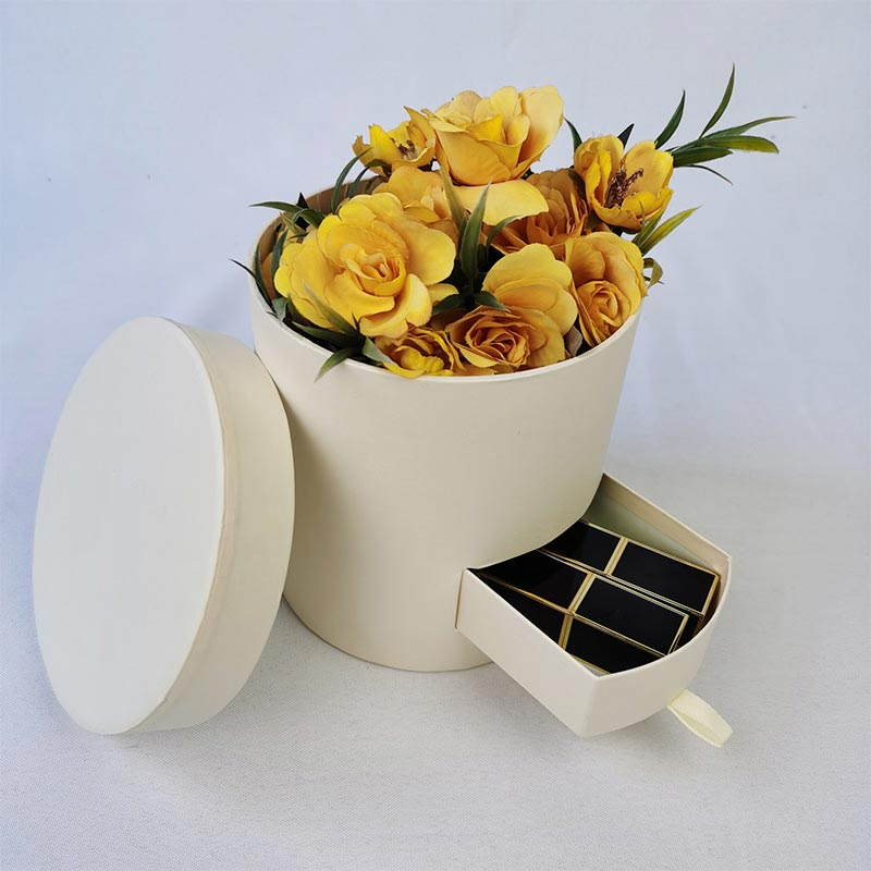 Cardboard Gift boxes for women
