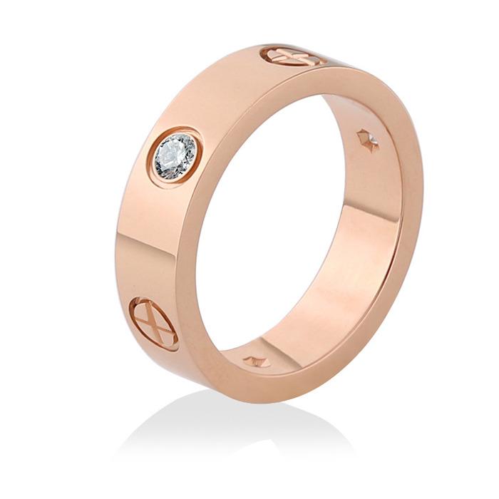 The screw zircon ring