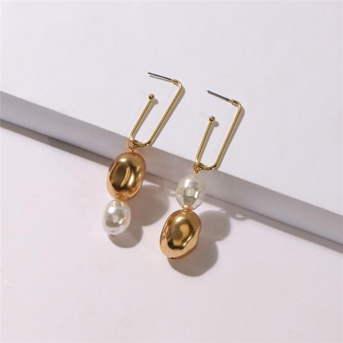 Beaded Pearl Gold Earrings