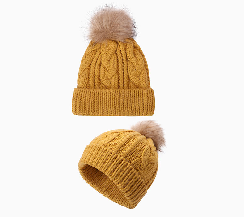 How to choose a solid winter hat according to the clothing collocation