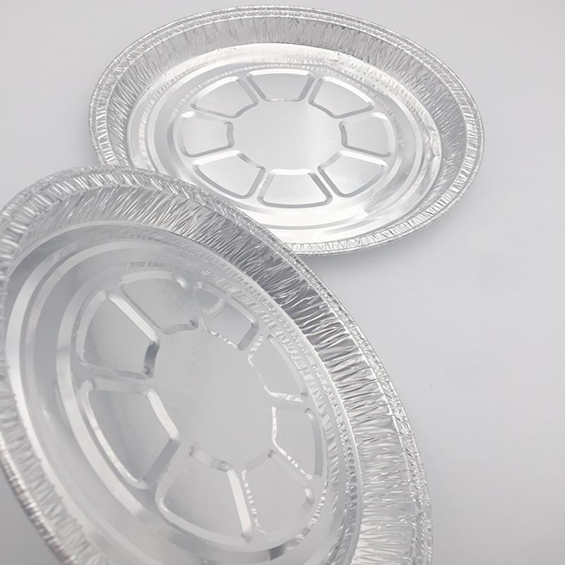 bake cake in aluminium foil trays