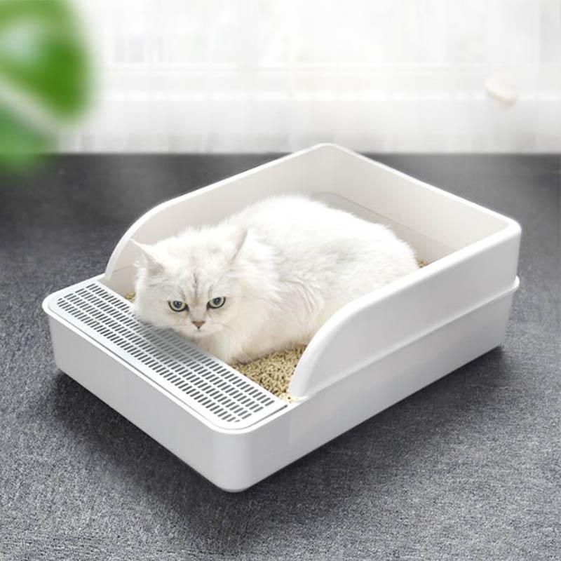 Large capacity cat litter box
